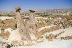 De rotsvorming van feeschoorstenen in Cappadocia - Turkije Stock Fotografie
