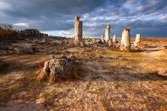 De rotsvormingen van het fenomeen in Bulgarije rond kamani Varna - Pobiti Nationale toerismeplaats royalty-vrije stock foto