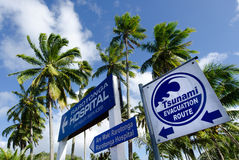 De route van de Tsunamievacuatie in Rarotonga Cook Islands Stock Foto