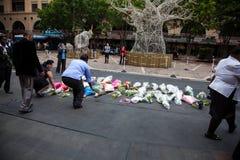 De rouwdragers verzamelen zich voor Mandela royalty-vrije stock fotografie