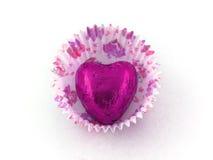 De roze Chocolade van het Hart in het Geval van de Cake van het Document Stock Afbeelding
