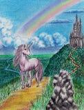 De roze eenhoorn weidt dichtbij het middeleeuwse kasteel royalty-vrije stock fotografie