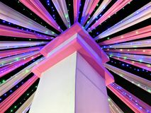De roze en witte decoratieve tent van Nice voor een Indische huwelijkspartij royalty-vrije stock foto