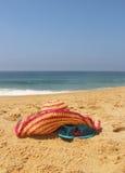 De roze hoed van de zeekust en van het stro Stock Fotografie