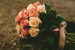 De rozenboeket van het de lentehuwelijk Royalty-vrije Stock Afbeeldingen