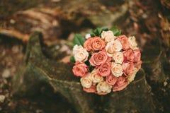 De rozenboeket van het de lentehuwelijk Stock Afbeeldingen