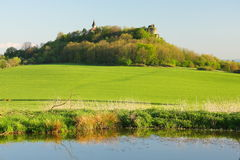 De ruïne van de kerk en van het kasteel Royalty-vrije Stock Foto's