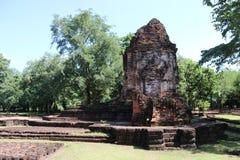De ruïnepagode van Prang-Lied Phi Nong in archeologische plaats van de oude stad van Srithep in Petchaboon, Thailand Royalty-vrije Stock Fotografie