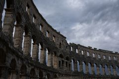 de ruïnes van amphitheatre Pula Kroatië royalty-vrije stock foto