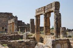 De ruïnes van collonaded straat Stock Afbeelding