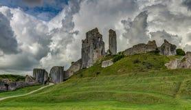 De ruïnes van Corfe-Kasteel, Dorset, Engeland, het Euro Verenigd Koninkrijk, stock afbeelding