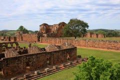 De Ruïnes van de jezuïetopdracht in Trinidad, Paraguay Stock Afbeeldingen