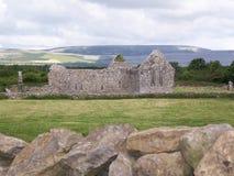 De Ruïnes van de kerk stock afbeeldingen