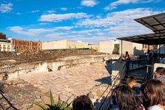 De ruïnes van de Templo-Burgemeester, een Azteekse tempel in Mexico-City Stock Foto's