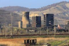 De ruïnes van de zware industrie royalty-vrije stock afbeelding