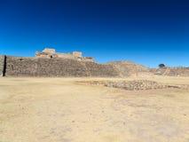 De ruïnes van een oud paleis in Monte Alban Royalty-vrije Stock Fotografie
