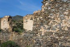 De ruïnes van een oude fabriek stock foto's