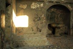 De Ruïnes van Herculaneum van het badhuis, Ercolano Italië Royalty-vrije Stock Foto