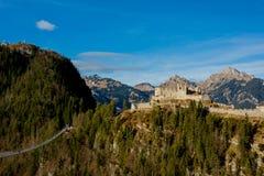 De Ruïnes van het Ehrenbergkasteel royalty-vrije stock afbeeldingen
