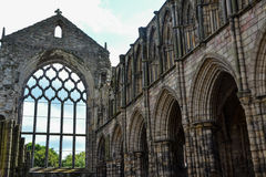 De ruïnes van het Holyroodhousepaleis Stock Foto