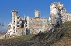 De ruïnes van het kasteel in Ogrodzieniec, Polen royalty-vrije stock afbeelding