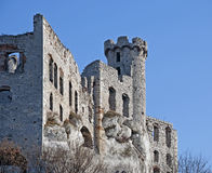 De ruïnes van het kasteel in Ogrodzieniec, Polen royalty-vrije stock afbeeldingen