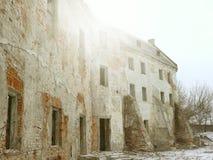 De ruïnes van het oude kasteel Stock Afbeeldingen