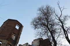De ruïnes van het oude ziekenhuis stock afbeeldingen