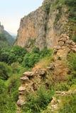De ruïnes van Hunot-dorp in Hunot-canion stock foto's