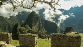 De ruïnes van Machupicchu en een steenmuur royalty-vrije stock foto