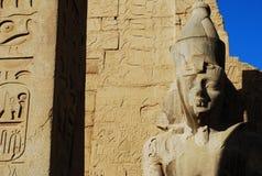 De ruïnes van de oude Egyptische Luxor-Tempel in Luxor, Egypte stock afbeelding