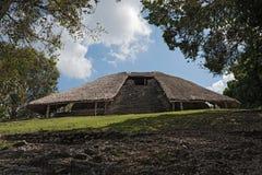 De ruïnes van de oude Mayan stad van Kohunlich, Quintana Roo, Mexico royalty-vrije stock foto