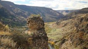 De ruïnes van de oude toren stock videobeelden