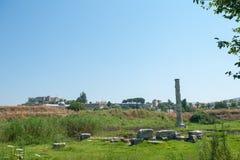 De ru?nes van tempel van Artemis, ??n van zeven is van de oude wereld benieuwd Selcuk, Turkije, onze dagen stock afbeeldingen