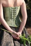 De rug van de bruid, met bloem Royalty-vrije Stock Fotografie