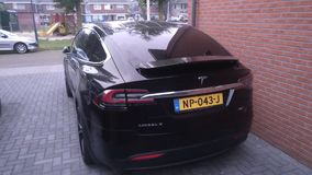 De rug van een Tesla Models 90D stock afbeeldingen