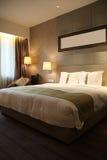 De ruimte of de slaapkamer van het hotel Stock Foto's