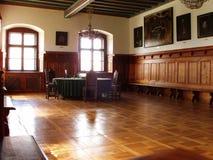 De ruimte van de vergadering in de oude Zaal van de Stad Stock Afbeelding