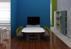 De ruimte van de vergadering met TV binnen het bureau Stock Foto