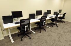 De ruimte van het computerlaboratorium Stock Fotografie