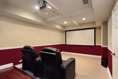 De ruimte van media met de stoelen van het huistheater royalty-vrije stock foto's