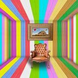 De ruimte van Vivide met een aardig bank en een frame van beeld Stock Foto's