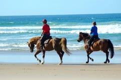 De ruiters van het strand Royalty-vrije Stock Afbeelding