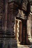 De ruïnes van Angkor Wat van de tempel van Srei van Banteay, Kambodja Stock Afbeeldingen