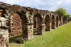 De Ruïnes van de jezuïetopdracht in Trinidad, Paraguay Stock Foto's