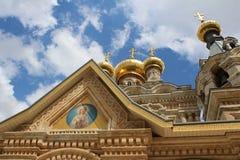 De Russische Kerk van Mary Magdalene die op het Onderstel van Olijven wordt gevestigd stock afbeeldingen