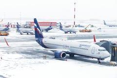 De Russische Luchtvaartlijnen Boeing 737 van Aeroflot stock fotografie