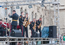 De Russische militaire prestaties van bandsaxofonisten Royalty-vrije Stock Foto's