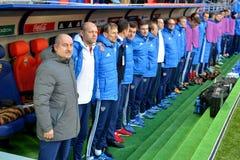 De Russische nationale bus Stanislav Cherchesov van het voetbalteam met mede Royalty-vrije Stock Foto