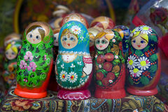 De Russische poppen van Babushka of van matrioshka Stock Afbeelding